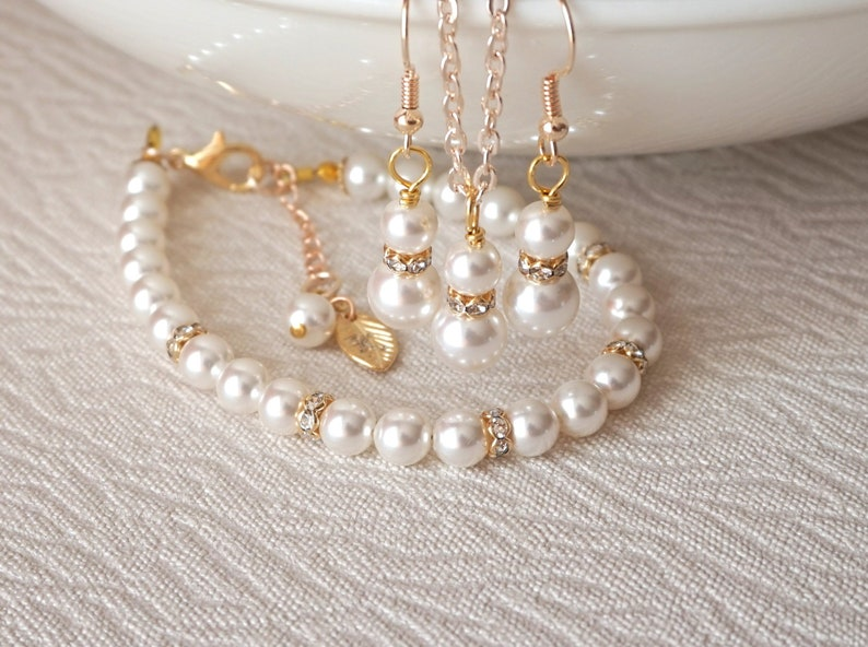 L Gold Bridesmaid Jewelry Set Pearl Necklace Earrings Bracelet Initial Leaf Personalized Gift Gold Wedding Light Rose KC Gold Jewelry