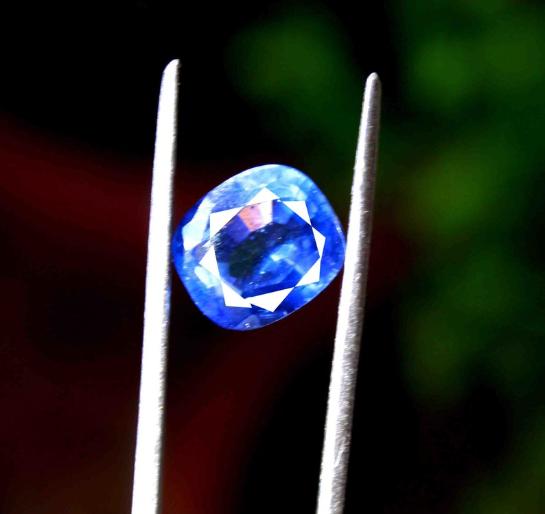 8.55 Ct Certified Natural AAA Shiny Blue Taaffeite Cushion Shape Gemstone Making For Ring NF2066