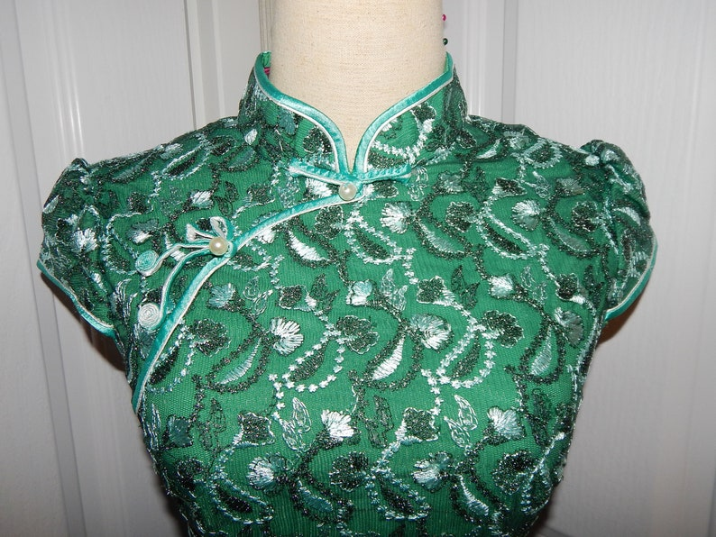Beautiful Bridesmaid Green Lace Embroidered Cheongsam Qipao Chinese Dress fit for US Size XS S or Size 4 and Size 8
