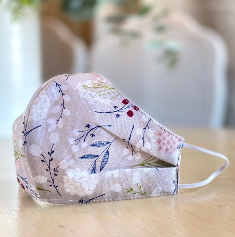 Beautiful Face Mask  CRANBERRIES on GRAY Travel Mask  Cloth image 0
